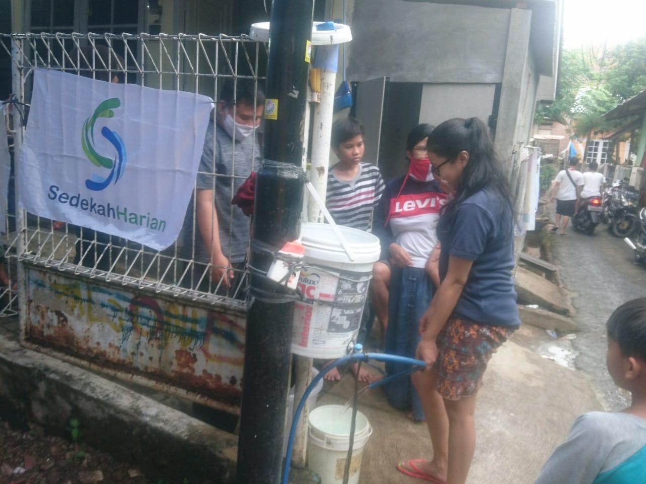 Sedekah Harian Bantu Korban Banjir dan Longsor di Ciganjur ...